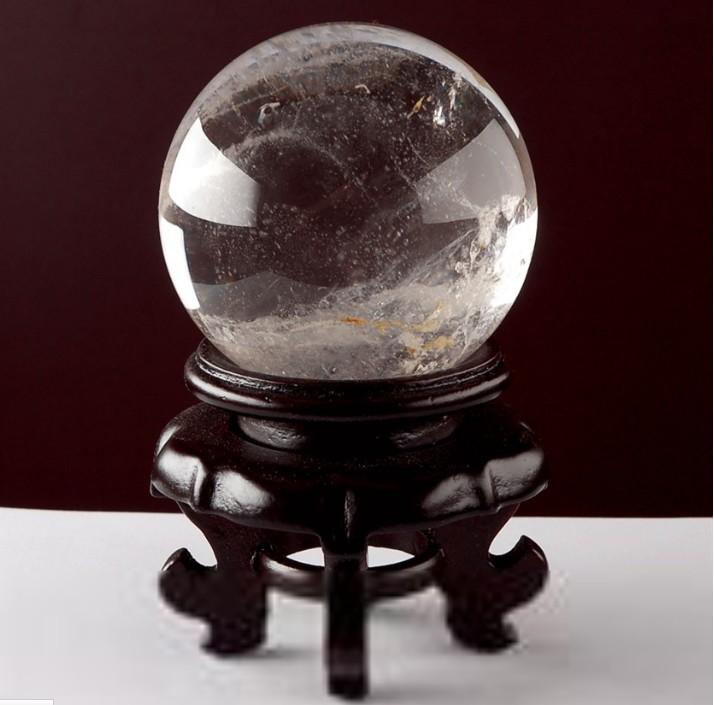 神秘的占卜水晶球